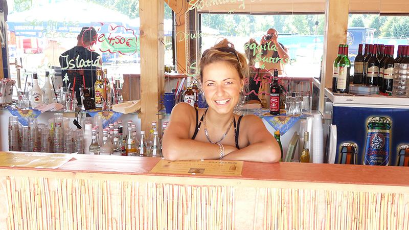 Die schöne von der Beach Bar