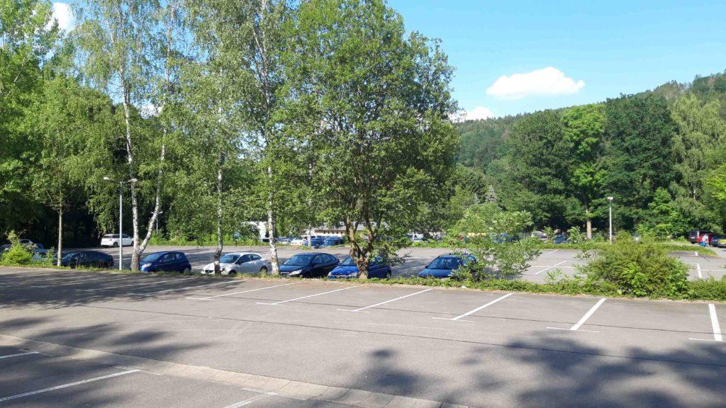 Parkplatz Zufahrt